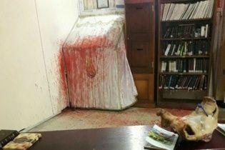 Правоохранители задержали мужчину, который осквернял и взрывал культовые памятники, могилы и синагоги