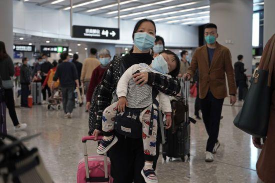 Смертоносний китайський вірус забрав життя вже 25 осіб. Кількість інфікованих стрімко зростає