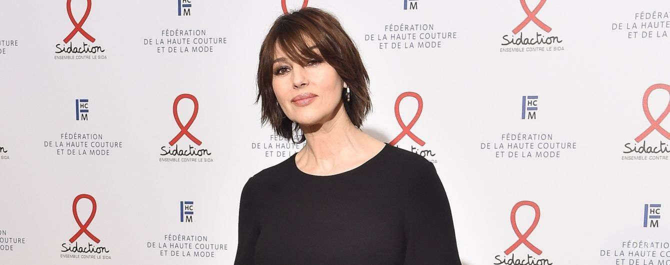 Скромно и со вкусом: Моника Беллуччи на благотворительном приеме в Париже