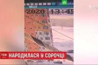 Родилась в рубашке: россиянка после падения с 9 этажа встала и ушла