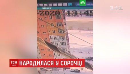 Народилася в сорочці: росіянка після падіння з 9 поверху встала і пішла