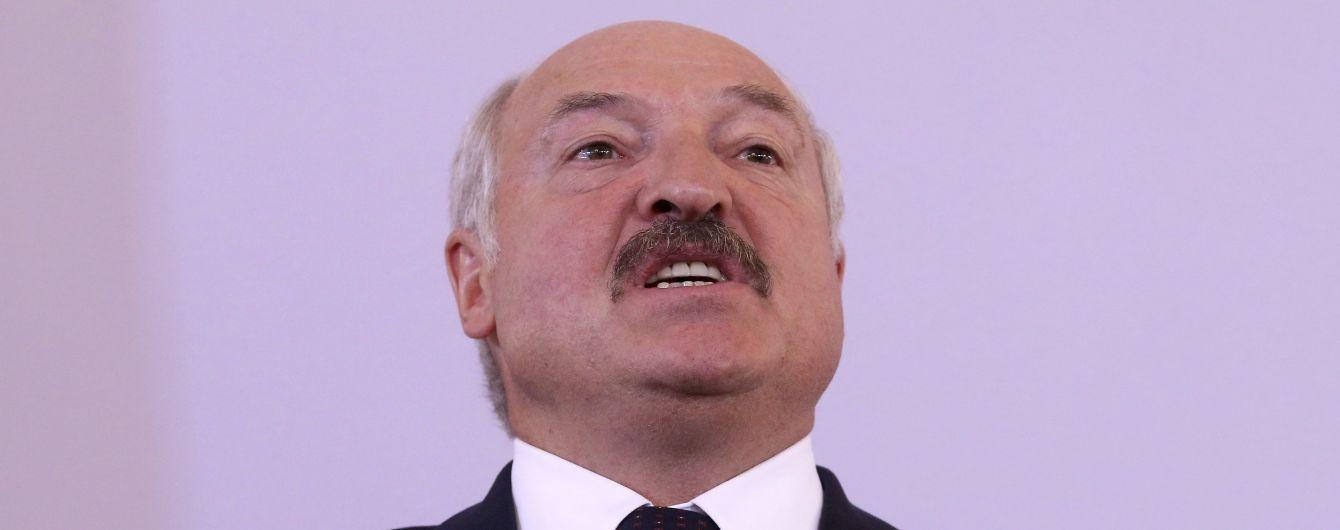 """Лукашенко рассказал, как Россия """"поставила раком"""" его страну"""