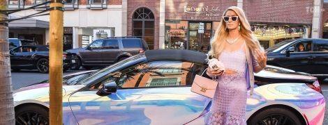 """Пэрис Хилтон похвасталась """"голографическим"""" суперкаром стоимостью 165 тысяч долларов"""