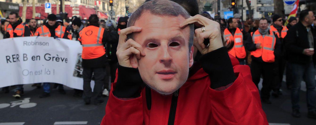 Правительство Франции одобрило проект пенсионной реформы на фоне очередных протестов