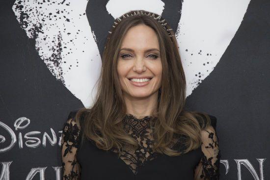 Анджеліна Джолі створить новинне антифейк-шоу для дітей