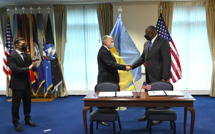 Новый этап сотрудничества Украины и США: страны заключили соглашения в области безопасности
