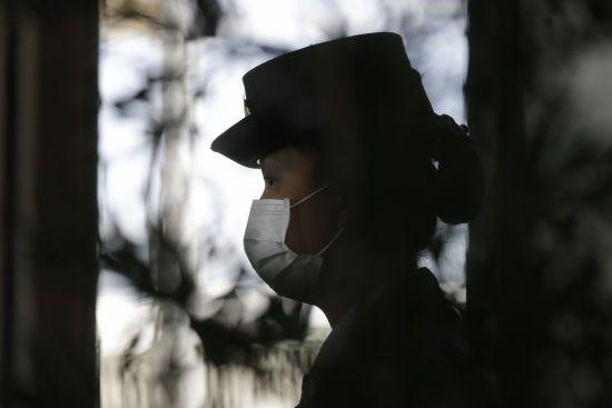 Вбивчий коронавірус з Китаю. Захворіли вже понад дві тисячі людей, недуга знову забрала життя
