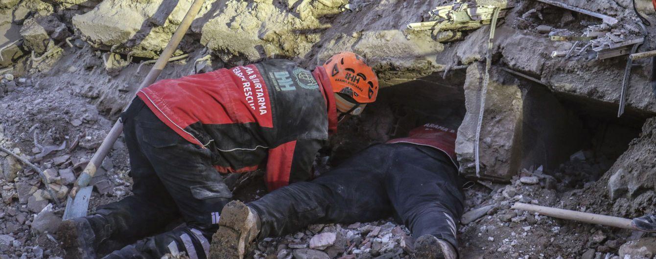 Після землетрусу в Туреччині під завалами продовжують шукати людей. Шанси знайти живими дуже малі