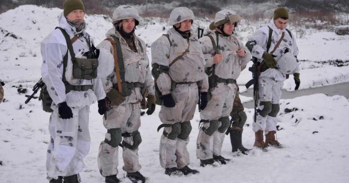Вогонь на ділянці розведення сил і потужні обстріли: у штабі ООС розповіли про ситуацію на передовій