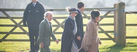 Не так эффектна: дочь королевы Елизаветы II – принцесса Анна, посетила службу