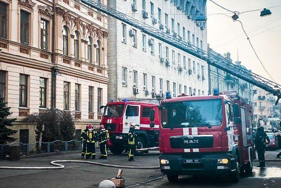 У Нацгвардії назвали попередню причину пожежі в Мінкульті