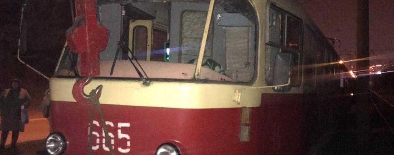 У Харкові під колесами трамваю загинув чоловік