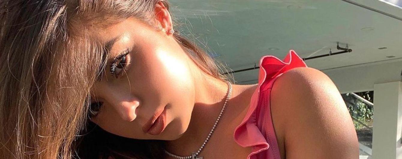 Ух какая: Деми Роуз в сексуальном бикини похвасталась пышным бюстом
