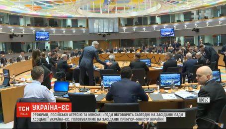 Реформы, российская агрессия и минские соглашения - такие темы будут обсуждать в Брюсселе