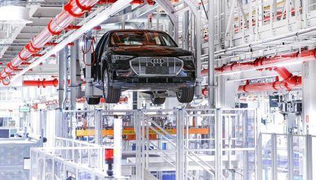 Audi столкнулась с проблемами на заводе электрокаров