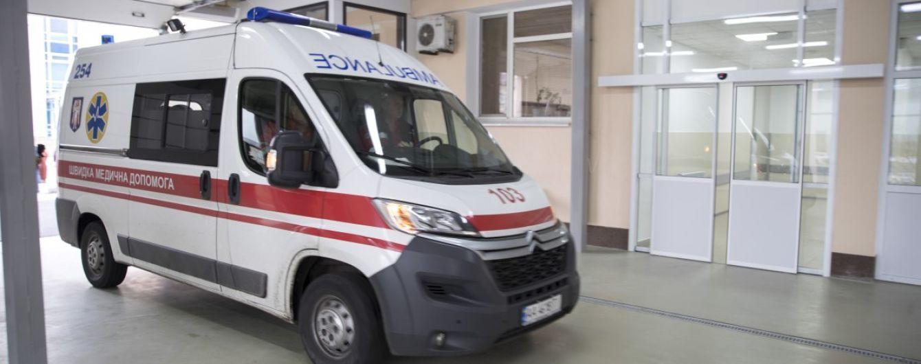 В Одессе женщина выпрыгнула с 6 этажа на глазах дочери и мужа