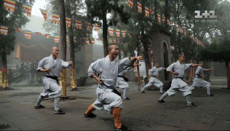 Дмитрий Комаров увидел быт шаолинских монахов – смотрите новый выпуск Мира наизнанку уже сегодня