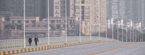 Вспышка нового вируса изолировала Ухань: жизнь города изнутри в фото и видео