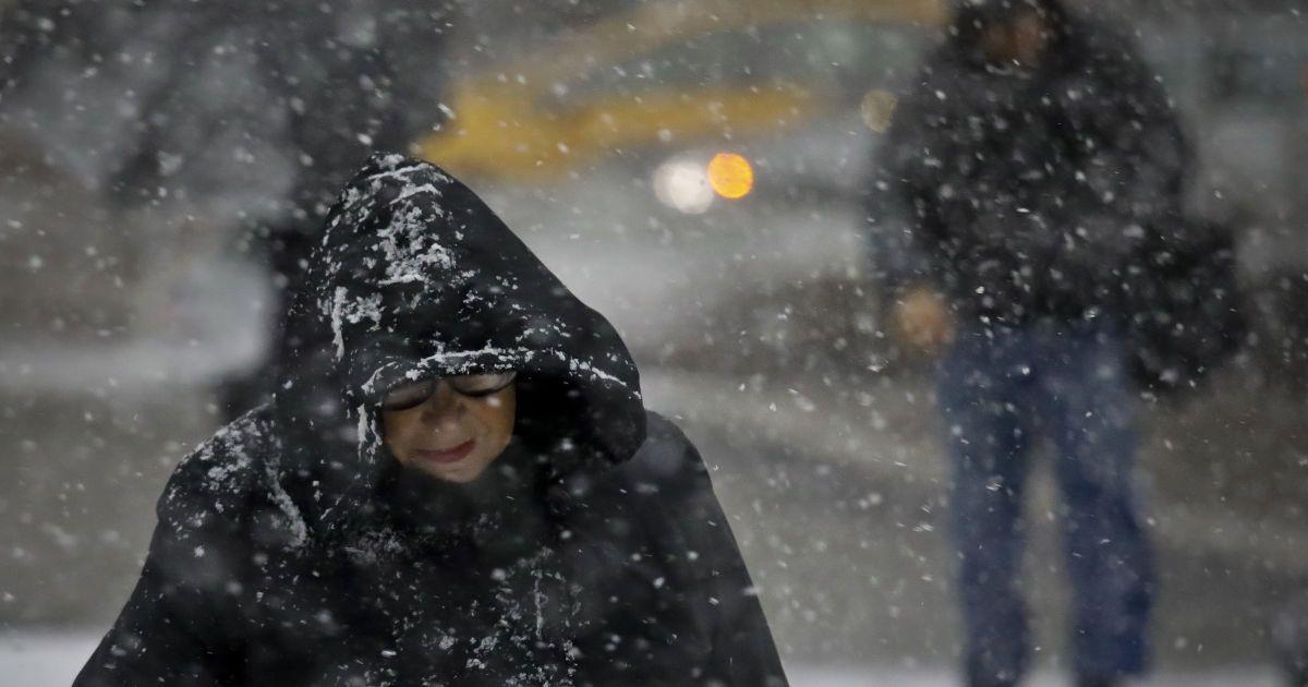 Харків засипало першим снігом: фото і відео
