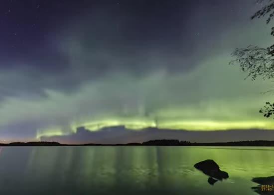 Астрономи знайшли новий вид полярного сяйва: який він має вигляд