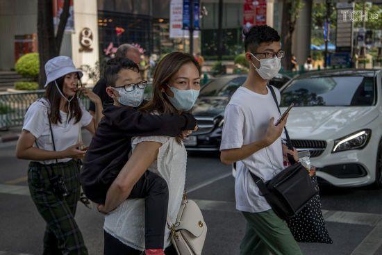У Китаї три доби поспіль фіксують рекордно низький показник нових випадків коронавірусу