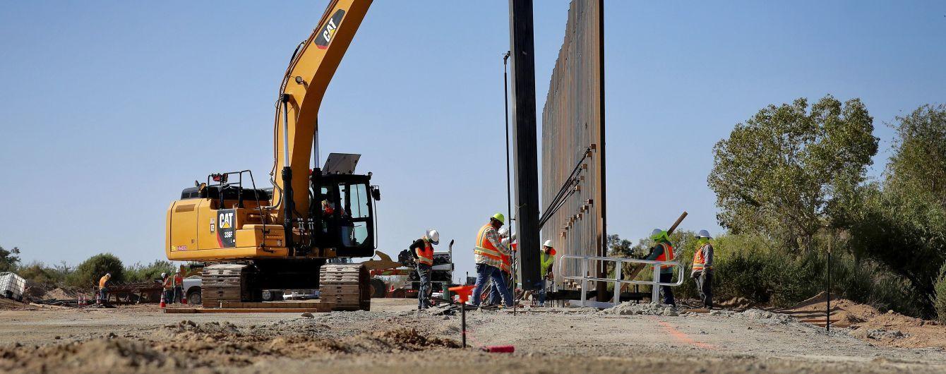 Ураган Ханна сломал часть стены Трампа на границе США и Мексики