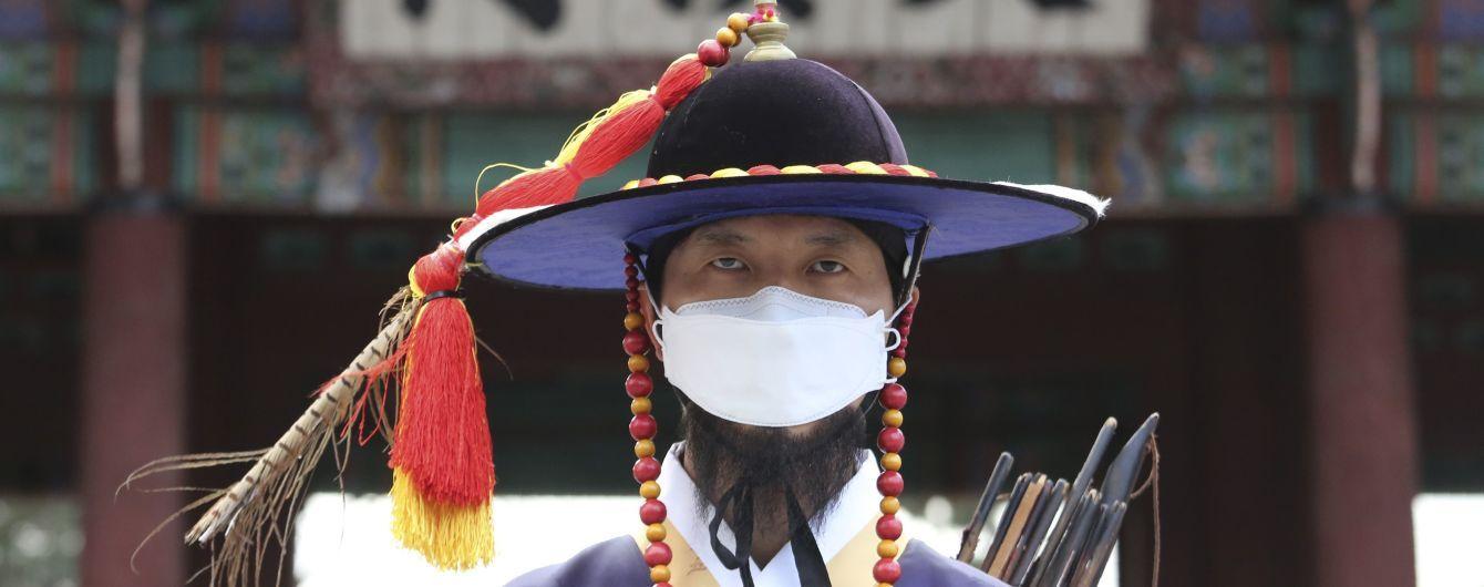 """Несмотря на уменьшение новых случаев коронавируса в Пекине заявляют, что вспышка остается """"серьезной и сложной"""""""