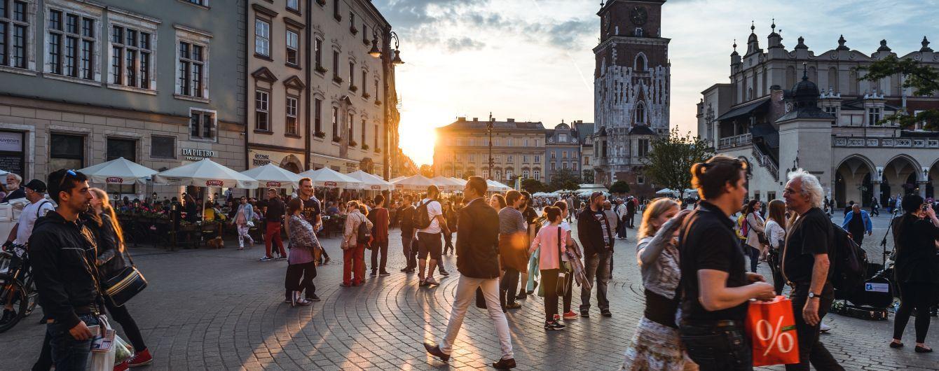 Польша открывает границы с ЕС и восстанавливает международное авиасообщение