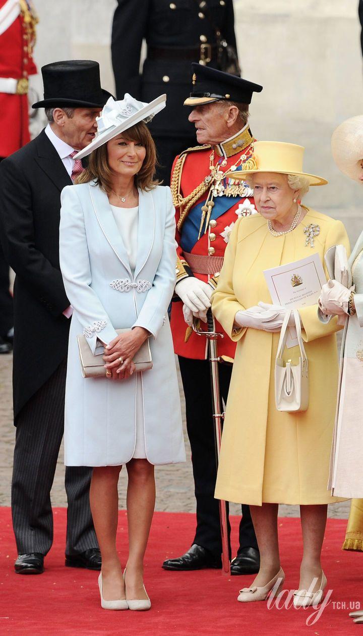Кэрол Миддлтон с королевской семьей