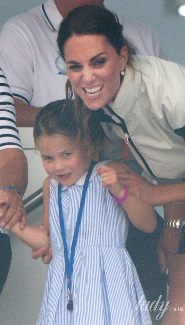 Кэрол Миддлтон, герцогиня Кембриджская и принцесса Шарлотта