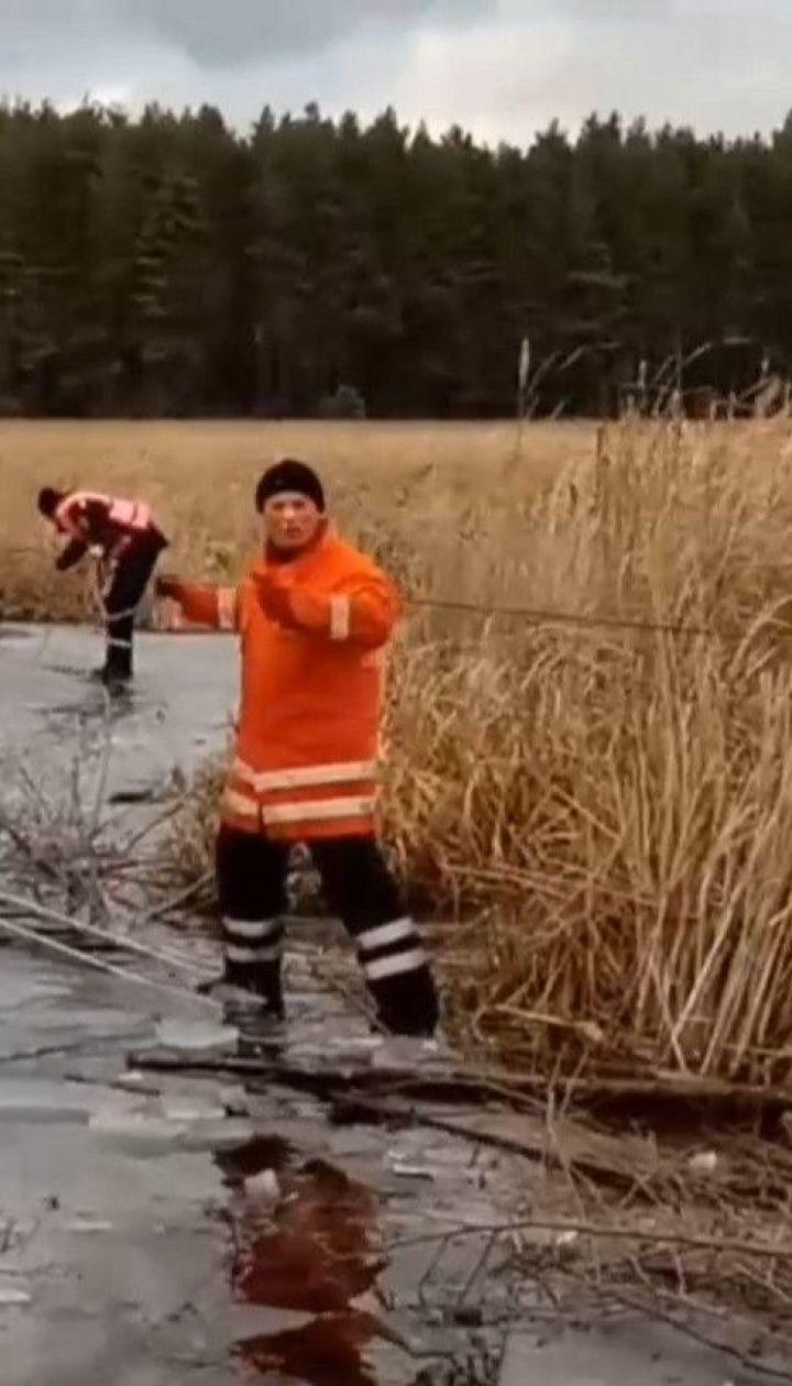 Трьох рибалок зняли з криги рятувальники на Житомирщині