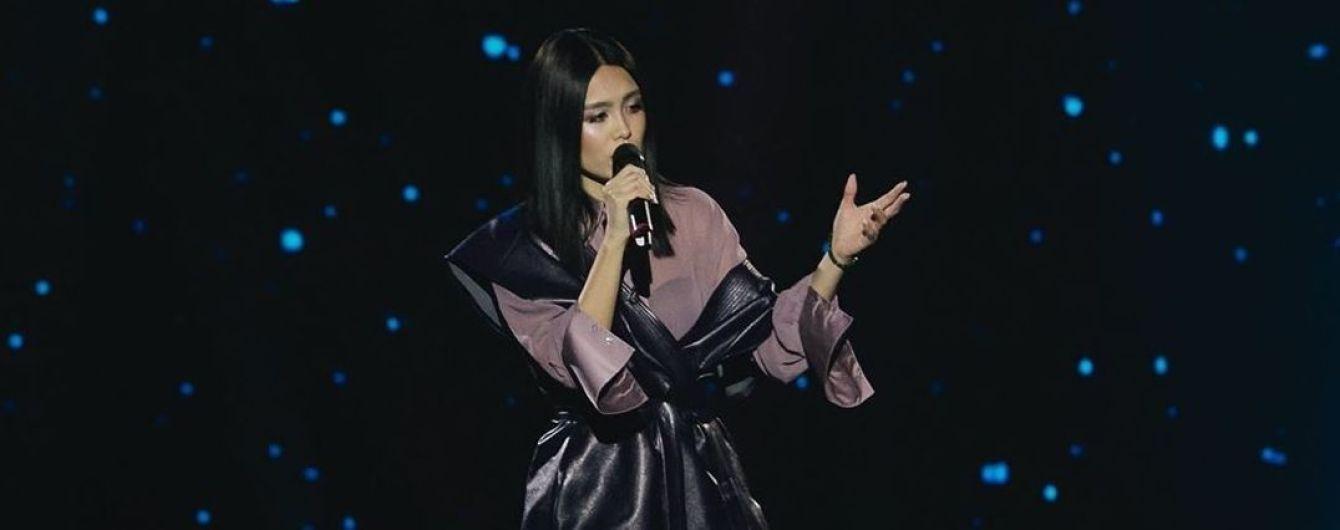 """""""Голос країни-10"""": красуня з Казахстану викликала справжній фурор своїм виступом"""