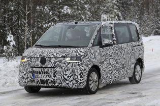 Автошпионы засняли на тестах новый Volkswagen Transporter