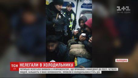 5 діб провели у холодильнику фури: на Львівщині виявили нелегалів з Афганістана