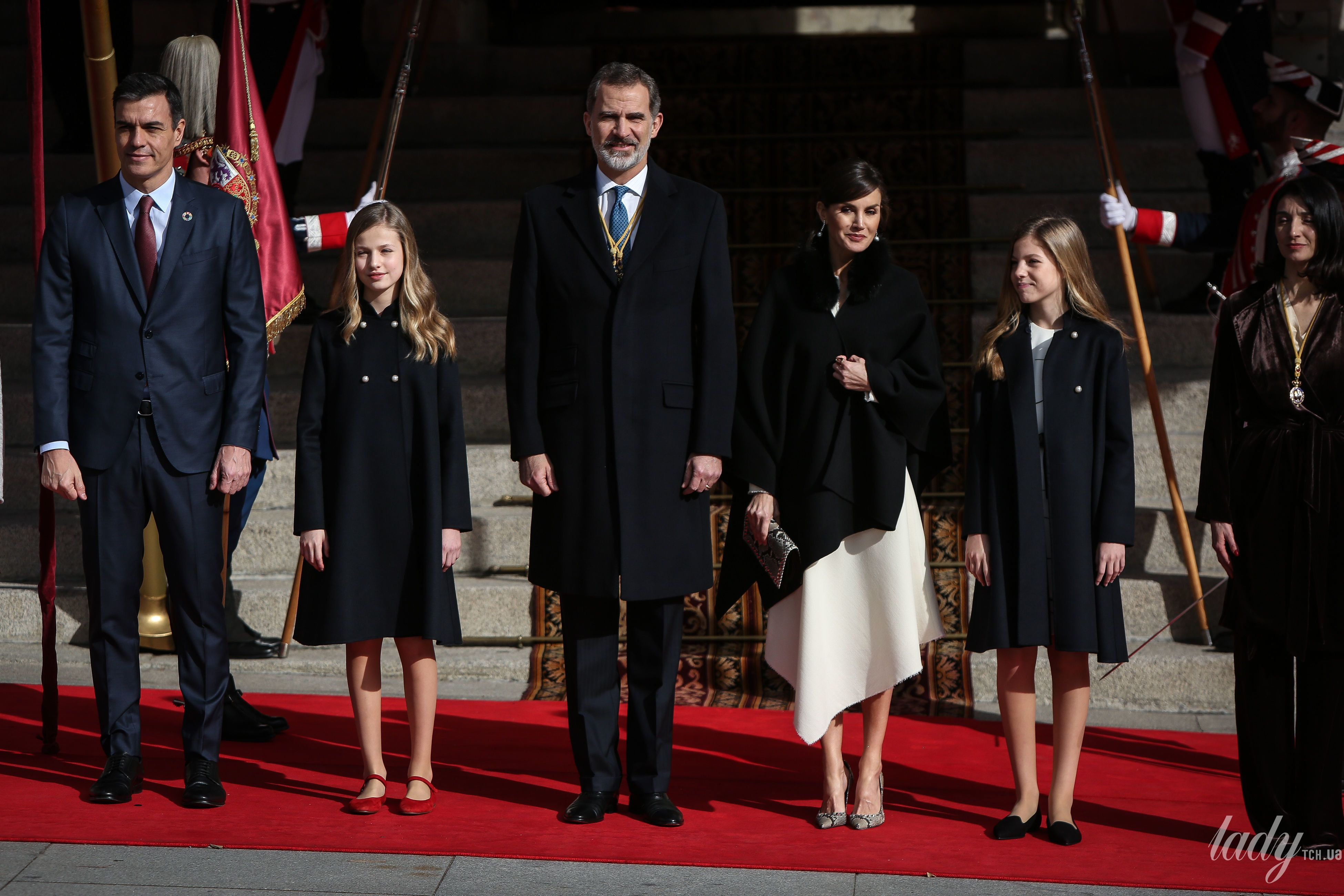 Королева Летиция с семьей_1