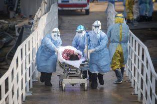 На китайський коронавірус захворіли 67 тисяч людей. Недуга забрала понад 1,5 тисячі життів