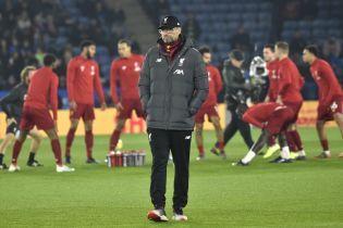 """Тренер """"Ліверпуля"""" дивитиметься перегравання матчу Кубка Англії на ноутбуці"""