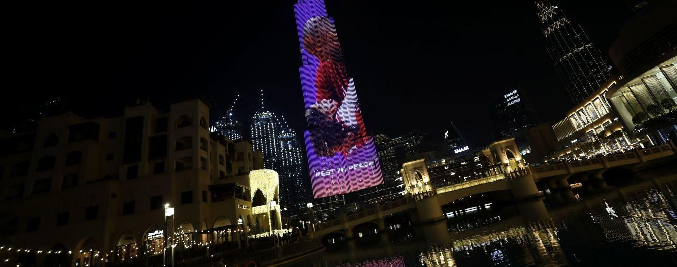 Высочайшее здание мира украсили фото погибшего Коби Брайанта и его дочери