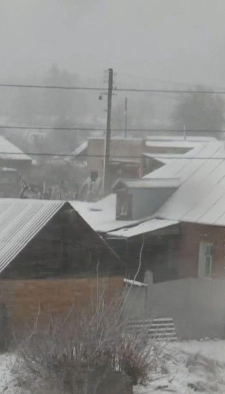 Пориви вітру та снігопади: до України насувається негода