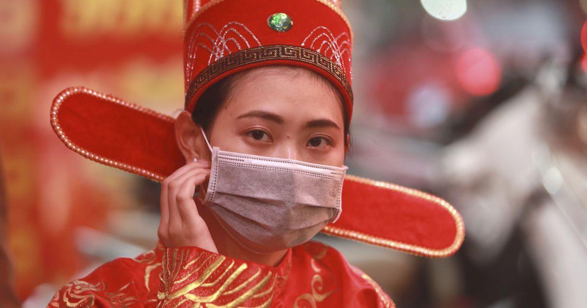 В Китае новым коронавирусом заразилось ещё более трёх десятков человек
