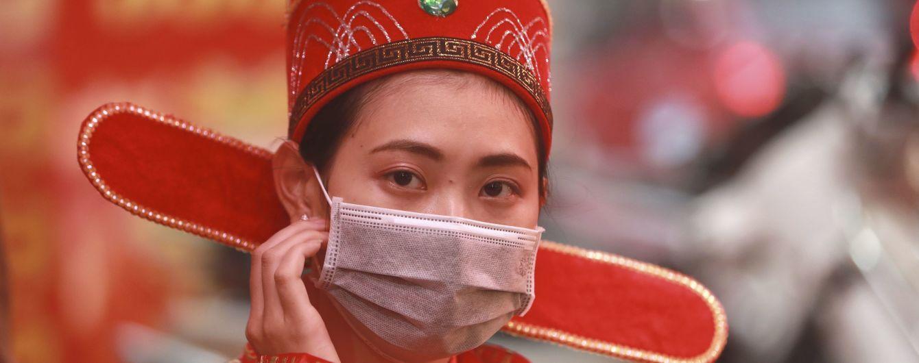 В Китае зафиксировали самый высокий за несколько недель суточный показатель активных случаев коронавируса