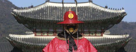 Коронавірус у Китаї: під медичним спостереженням залишаються майже три сотні пацієнтів без симптомів