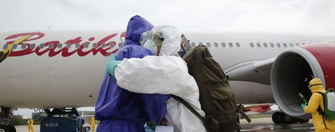 Температурные скрининги и костюмы биологической защиты. В Минздраве озвучили меры безопасности по эвакуации украинцев из Китая