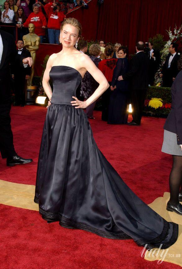"""Рене Зеллвегер в платье Carolina Herrera на 74 церемонии """"Оскара"""", 2002 год"""