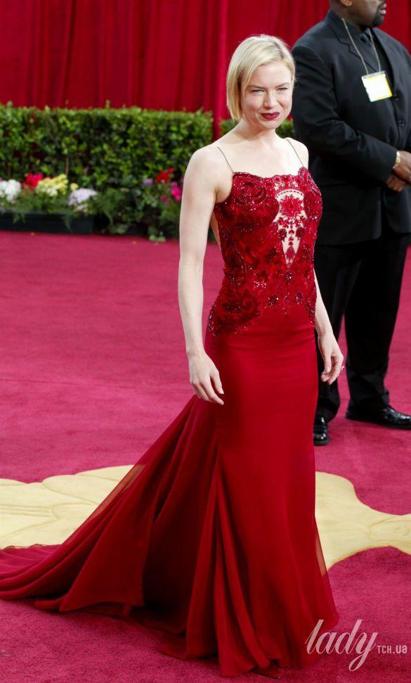 """Рене Зеллвегер в платье Carolina Herrera на 75 церемонии """"Оскара"""", 2003 год"""