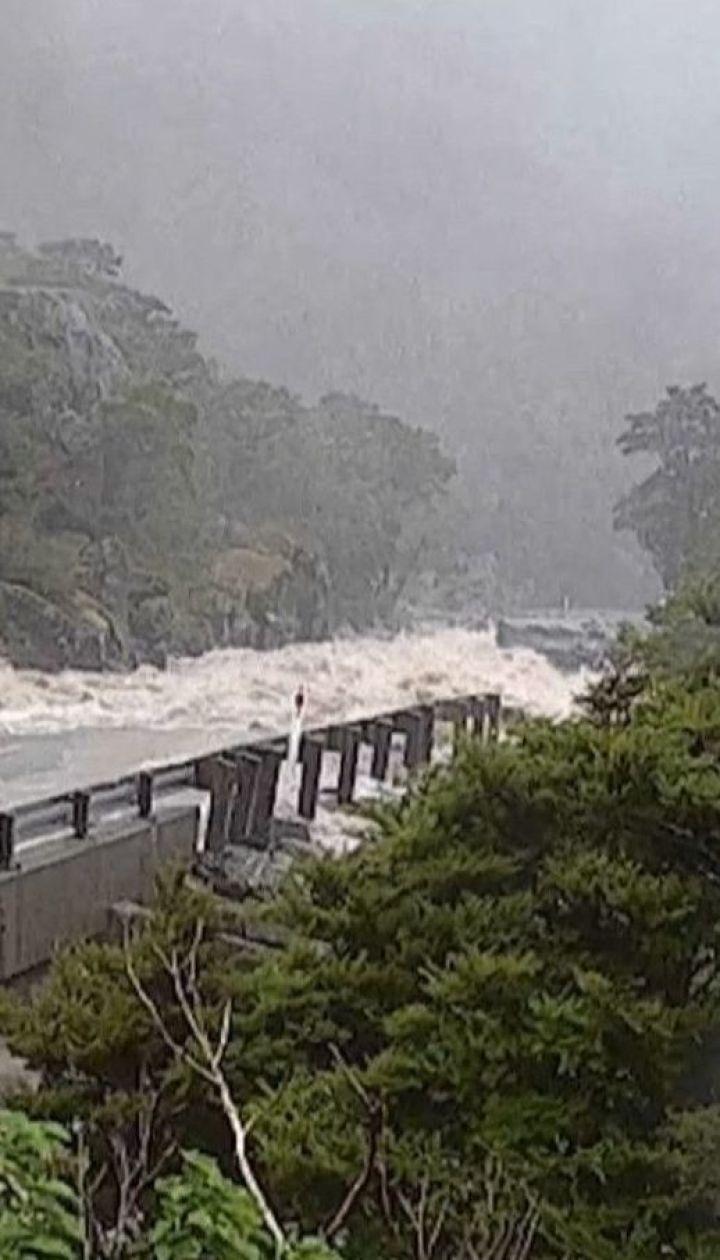 Третьи сутки в Новой Зеландии непрерывно льют дожди