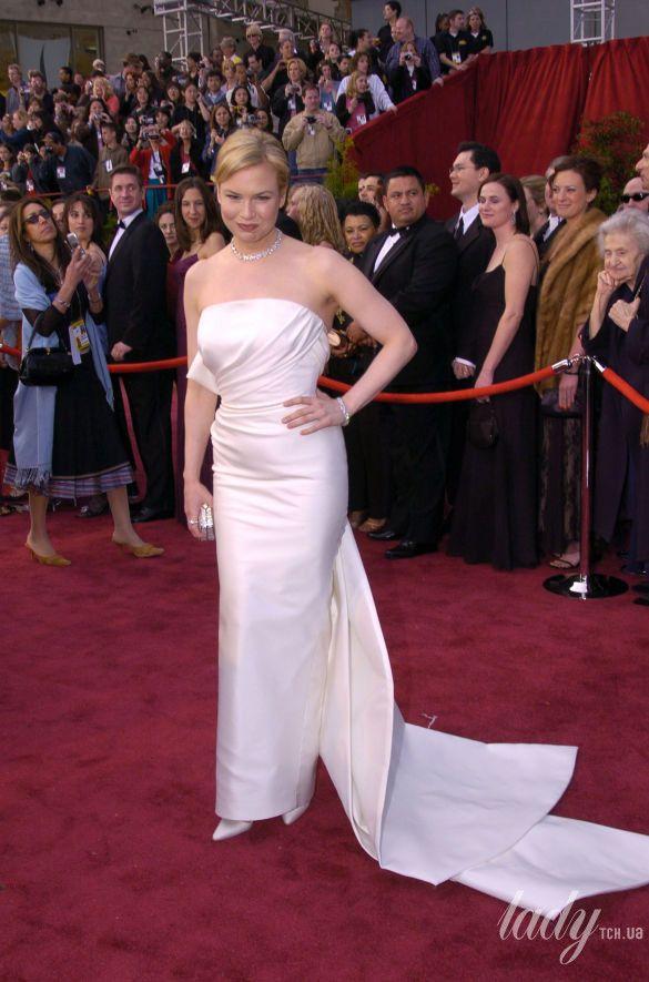 """Рене Зеллвегер в платье Carolina Herrera на 76 церемонии """"Оскара"""", 2004 год"""