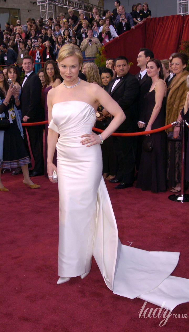 Рене Зеллвегер в платье Carolina Herrera на 76 церемонии