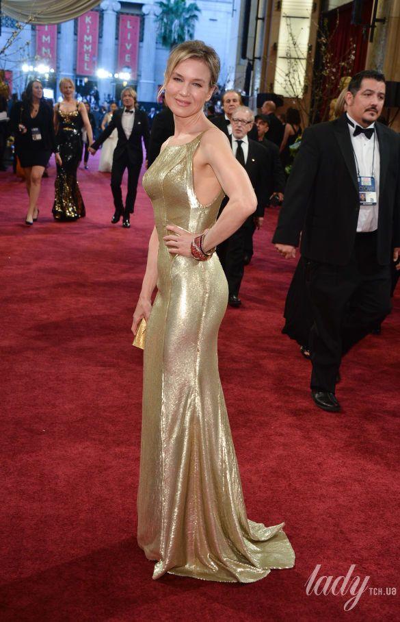 """Рене Зеллвегер в платье Carolina Herrera на 85 церемонии """"Оскара"""", 2013 год"""