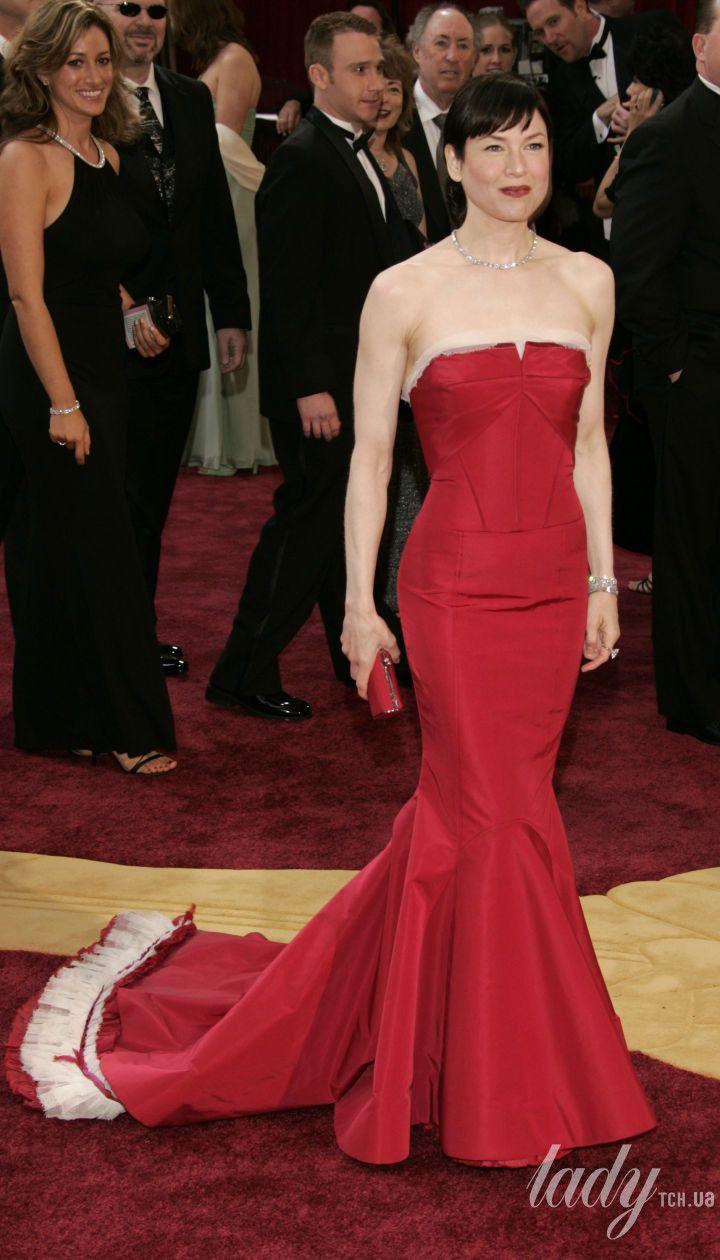 Рене Зеллвегер в платье Carolina Herrera на 77 церемонии